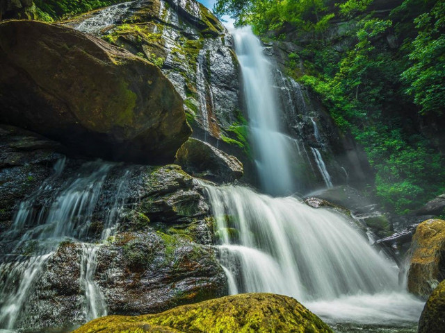 4 Fantastic Waterfalls Within a 2-Hour Drive of Charlotte