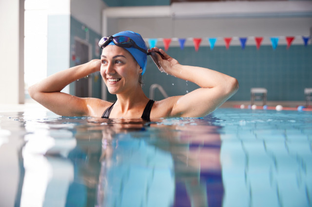 What are the benefits of swimming after an injury?