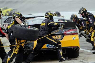 A Need for Speed: How a NASCAR Pit Crew Deals with Injury Risk